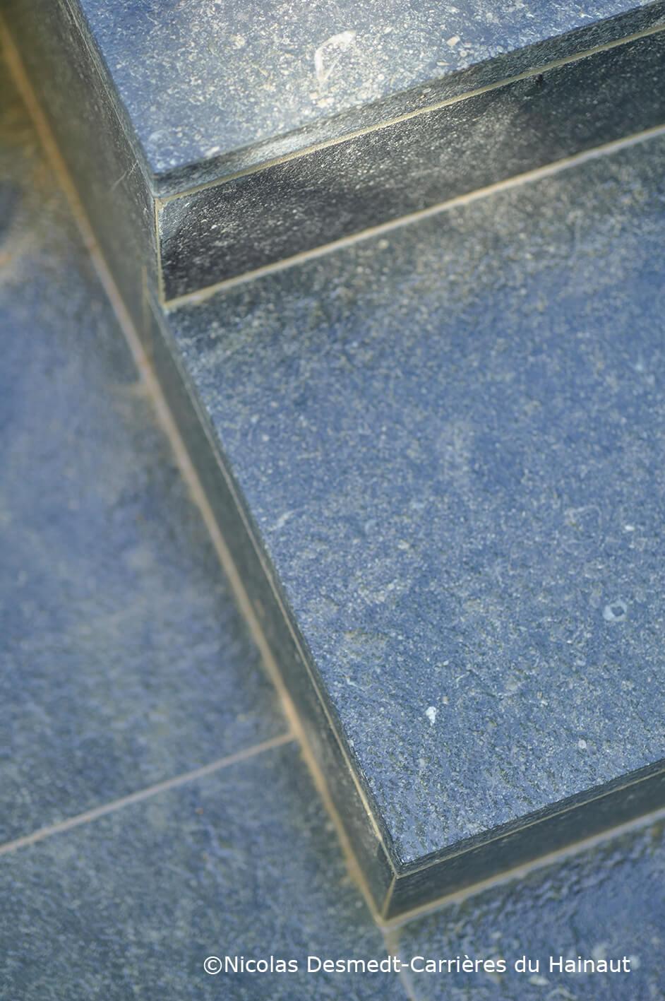 Marches dalles pierre bleue EnoLuce